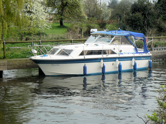John's 30ft Fairline Cruiser